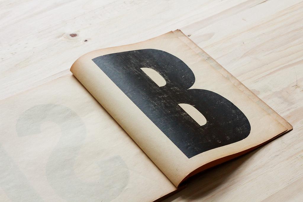 Mise en page : Ampersanden - Specimen de caractères